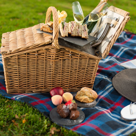 Norfolk Mead Picnic Hamper